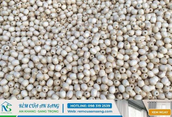 Mẫu hạt màu trắng làm mành hạt gỗ